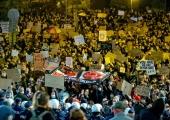 Poolas tulid naised tänavatele ja kirikutesse oma õiguste eest võitlema
