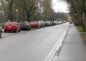 VIDEO! Lasnamäel alustatakse võitlust jalakäijate radadel parkimise vastu