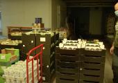 VIDEO! Lasterikaste Perede Liit jagab abi vajavatele liikmetele toidupakke
