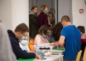 Õpilased ja vaesemad pered saavad kaitseks viiruse vastu maskid