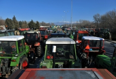 Kreeka põllumehed suunduvad Ateenasse protestima