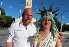 FOTOD! Rootsi tänavaartist Zack Meister säras Vabaduse väljakul Kultuuriöö programmi raames