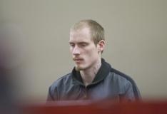 Kohus saatis poja silme all pereisa peksnud mehed aastateks vangi