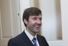 RIIGIKOGU HUUMOR! Martin Helme Urmas Kruusele: kas te olete minister või kelgunöör?
