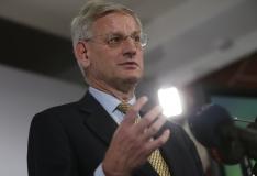 Carl Bildt: metsavendade lugu varjati liiga kaua