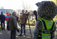FOTOD! Mupo maskott lumeleopard Lauri tõi loomaaia suguvendadele kingitusi