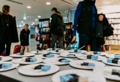 FOTOD! Tallinna Lennujaama reisijad said maitsva isamaalise üllatuse osaliseks