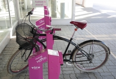 Tallinna südalinnas on uusima tehnoloogiaga nutiparkla jalgratastele