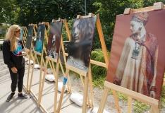 Fotokunst vallutab Põhja-Tallinna tänavad