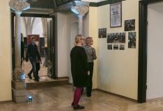 Mustpeade majas pannakse 43 Eesti kunstniku teosed enampakkumisele
