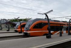Elroni rongides alustavad tööd postkaardi-päkapikud