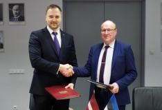 Eesti ja Läti siseministrid allkirjastasid riigipiiri hoolduse kokkuleppe