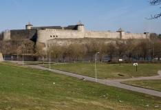 Eesti-Vene projektis renoveeritakse Narva linnusehoov