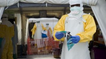 Tallinnas maandus ebolariskiga lennuk