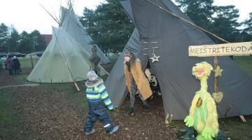 FOTOD! Männipargis on avatud jõuluküla
