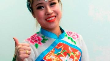 Hiina tantsijanna: Tuliahvi aastal kinkige punases ümbrikus raha !