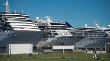 JUHTKIRI: Oodates raportit ja valget laeva