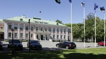 Ühiskonnategelased soovitavad presidendi riigikogus ära valida