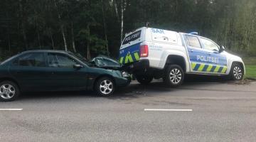 Politseinikud sundpeatasid Pärnus joobes mehe juhitud auto