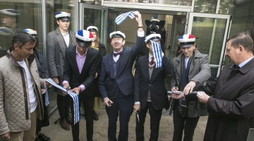 FOTOD JA VIDEO! Prantsuse lütseum sai kaasaegse võimla koos palliplatsi ja jooksurajaga õues