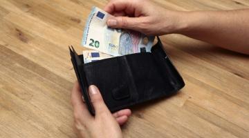 52b4205e0ce ROTAL taunib Kaitseliidu valvurite palgatõusuks mõeldud raha kärpimist