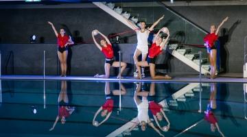 GALERII: Kalev Spa avapeol prantsatas maailmakuulus köietrikitaja basseini