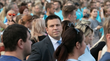 Peaminister kutsus avalikkust maksusüsteemi üle arutama