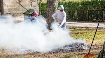 AEDLINNA ELANIK: kogu mu kodu ümbrus on mürgisest prahisuitsust hall