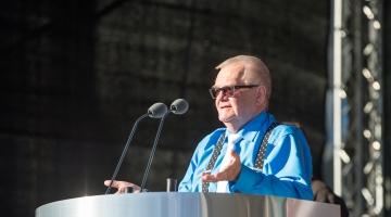 SAVISAARE JUUBEL! Juhan Kivirähk: Edgar Savisaarel on Eesti ühiskonnas olnud erakordne osa