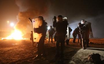 Calais' põgenikelaagrist algas migrantide evakueerimine
