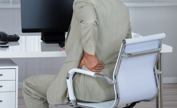 LUGEJA KÜSIB: Kuidas aidata terviseprobleemidega eakaid töötajaid?