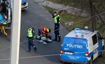 Lugeja kirjutab: uskumatu, et politsei eelistab rahvarohkes kohas tulirelva pisargaasile ja kumminuiale
