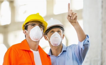Lugeja küsib: kas tööandja peab töötajatele andma kaitsevahendid?
