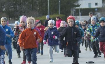 FOTOD! Väikesed spordisõbrad võtsid Jüriöö lastejooksul mõõtu