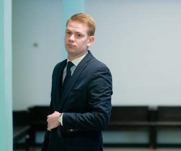 Oliver Nääs: Savisaar on täitnud Eesti õigussüsteemi kõiki otsuseid, ent õigussüsteem jätab oma kohustused täitmata