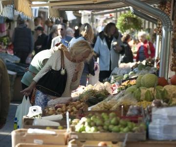 Tallinna turgudel saab maitsta suve viimaseid kodumaiseid maasikaid ja kuulata mõnusaid kontserte