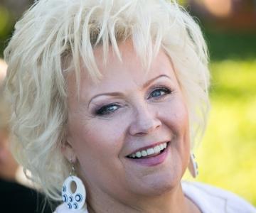 Särtsakas Anne Veski toob suveõhtusse tähesära