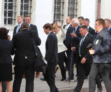FOTOD ja VIDEO! Merkeli delegatsioon külastas Tallinna Toomkirikut