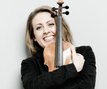 TASUTA! Maailmakuulus viiuldaja Marina Chiche Prantsusmaalt mängib Tallinna publiku hingekeeltel
