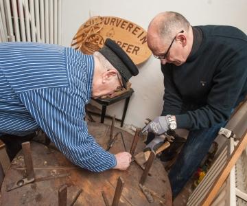 EKSPERT: Eakad inimesed peavad Eestis  eluspüsimiseks töötama