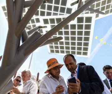 Prantsusmaal avati päikeseenergial töötav telefonilaadimispunkt