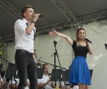 VIDEO JA FOTOD! Harjumäe taasiseseisvumispäeva kontsert pani rahva kaasa laulma