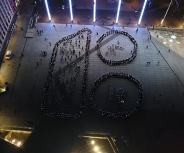 FOTOD JA VIDEO! Üle 600 rahvatantsija pöörasid Vabaduse väljakul 100 aasta liivakella