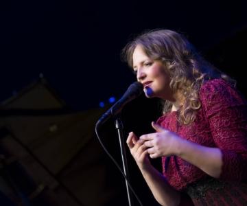 """KUULA! Hedvig Hanson kirjutas Eesti sünnipäevaks laulu """"Kodumaa"""""""