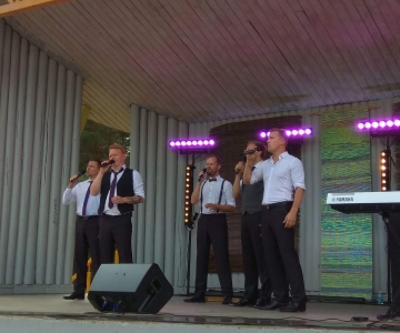 VIDEO! Mustamäe tähistas Männi pargis taasiseseisvumispäeva kontsertetendusega