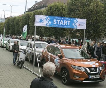 FOTOD JA VIDEOD! Elektriautode maratoni favoriit: linnaautod võiksid sõita elektriga, me ei pea heitgaase sisse hingama