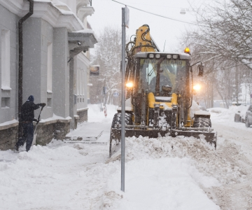 Tallinna tänavate puhastamiseks kaasati lisajõud
