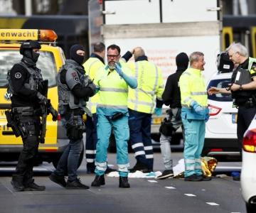Hollandi terrorirtõrjejuht: Utrechtis tulistati mitmes paigas