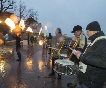 FOTOD JA VIDEOD: Kevad jõudis tantsu ja laulu saatel Eestisse