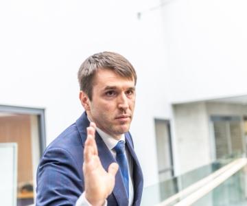 Tallinna Ülikool tühistas Rainer Vakra diplomiõppe diplomi